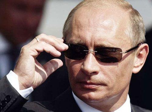 普京力挺卡扎菲实为竞选连任总统再次造势